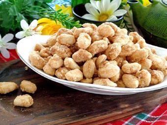 Kẹo đậu phộng ngào đường