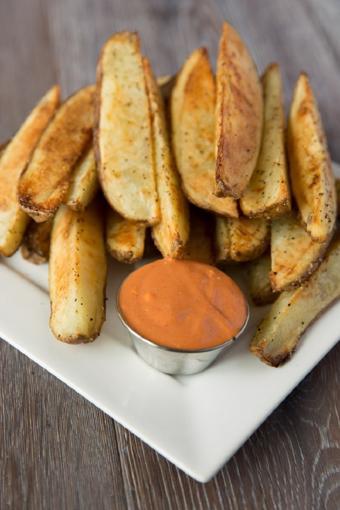 Khoai tây nướng chấm sốt mayonnaise