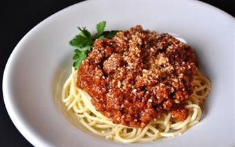 Mì Ý sốt cà chua với thịt bò