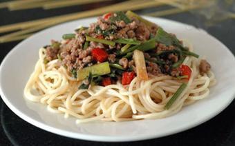 Mì Ý xào thịt bò
