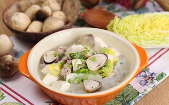 Miến nấu nấm kiểu Thái