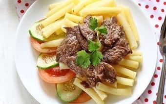 Nui xào với thịt bò