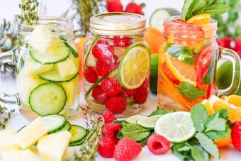 Nước detox thanh lọc cơ thể