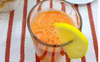 Nước ép cà rốt táo