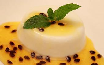 Panna Cotta topping chanh dây