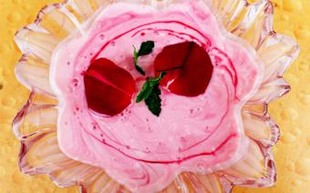 Rose yogurt
