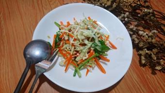 Salad bắp cải sốt chanh