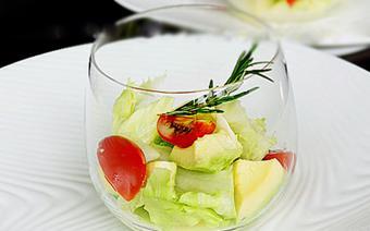 Salad bơ cà chua bi