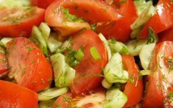 Salad cà chua dưa leo