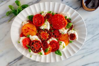 Salad cà chua phô mai