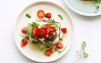 Salad đậu hũ cà chua bi
