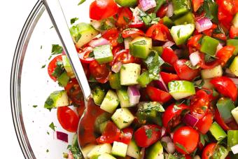 Salad dưa leo ớt cà chua