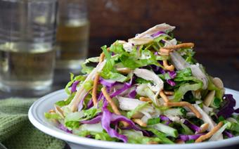 Salad dưa leo trộn thịt gà