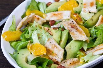 Salad gà cam giảm cân