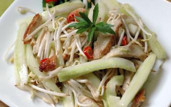 Salad gà dưa leo