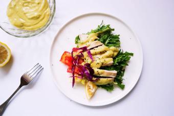 Salad gà sốt bơ chuối