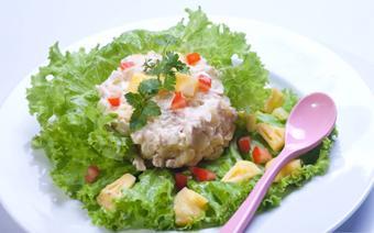 Salad gà thơm và khoai tây