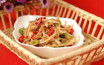 Salad gà trộn cay
