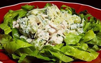 Salad nho thịt gà