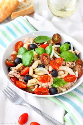 Salad rau củ cá ngừ