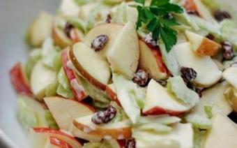 Salad táo cần tây