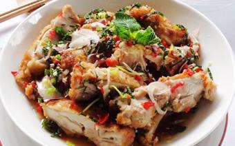 Salad thịt gà cay