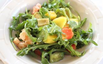 Salad tôm nướng và rau quả