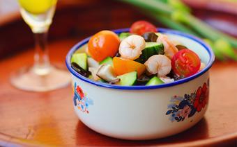 Salad tôm với rau nấm