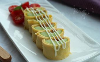 Salad trứng cuộn dưa leo