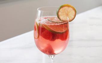 Sangria dưa hấu với cherry
