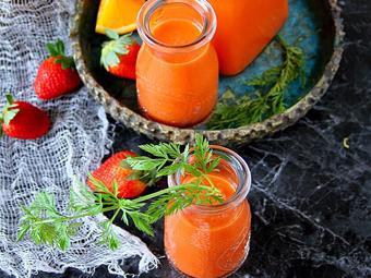 Sinh tố dâu cà rốt cam