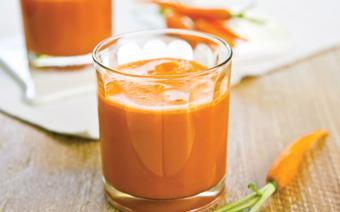 Sinh tố dứa và cà rốt