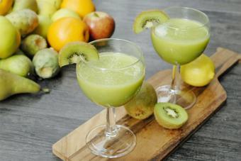 Sinh tố kiwi chuối mát lạnh