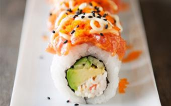 Sushi cá ngừ với sốt mayonnaise