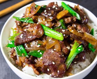 Thịt bò xào kiểu Mông Cổ
