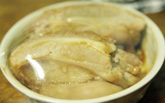 Thịt hấp bằng lò vi sóng