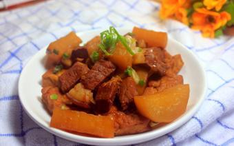 Thịt kho củ cải đậu hũ