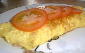 Trứng cuộn thịt xông khói với phô mai