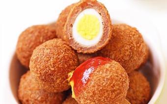 Trứng cút bọc bí đỏ chiên giòn