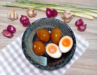 Trứng ngâm coca