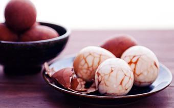 Trứng trà kiểu Hoa