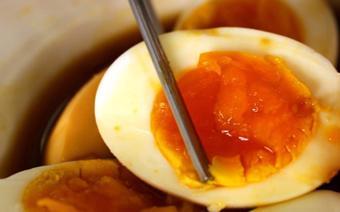 Trứng trộn xì dầu