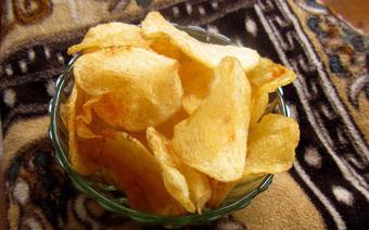 Tự làm snack khoai tây chiên