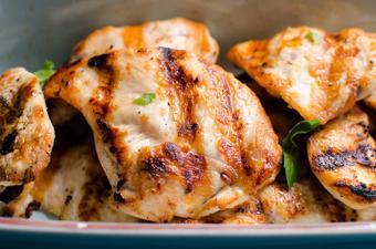 Ức gà nướng ăn kiêng