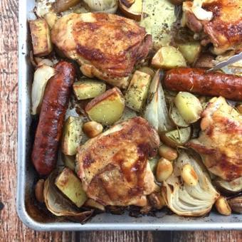 Xúc xích nướng thịt gà rau củ