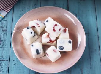 Yogurt trái cây viên