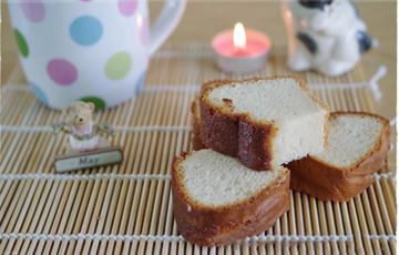Bánh bông lan mật ong Nhật Bản