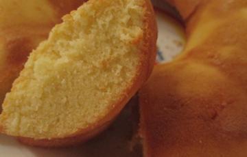 Bánh bông lan nướng