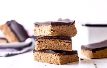 Bánh chocolate bơ đậu phộng không dùng lò nướng