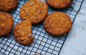 Bánh chocolate chip cookies yến mạch